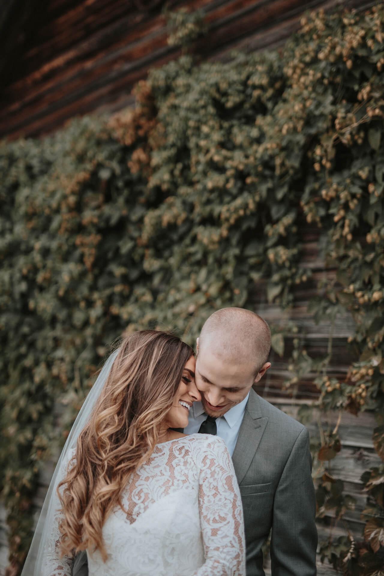 Iowa City Wedding Photographers | Cluney Photography