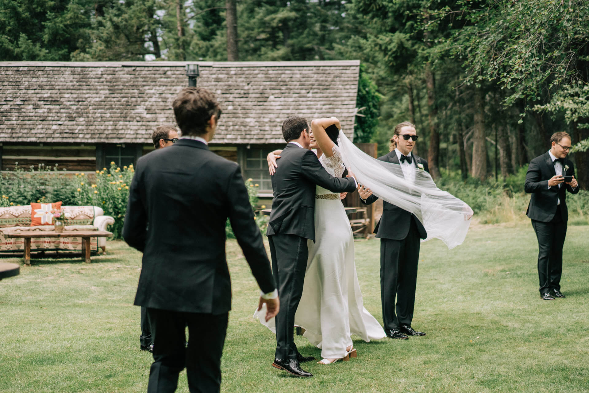Candid Des Moines Wedding Photography